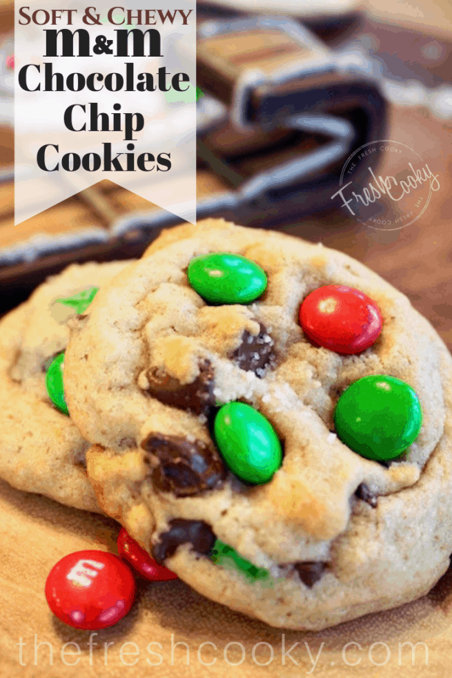 Holiday M & M Chocolate Chip Cookie | www.thefreshcooky.com