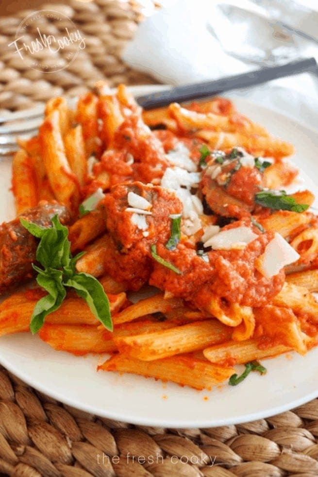 Plate of Penne alla Vodka | www.thefreshcooky.com