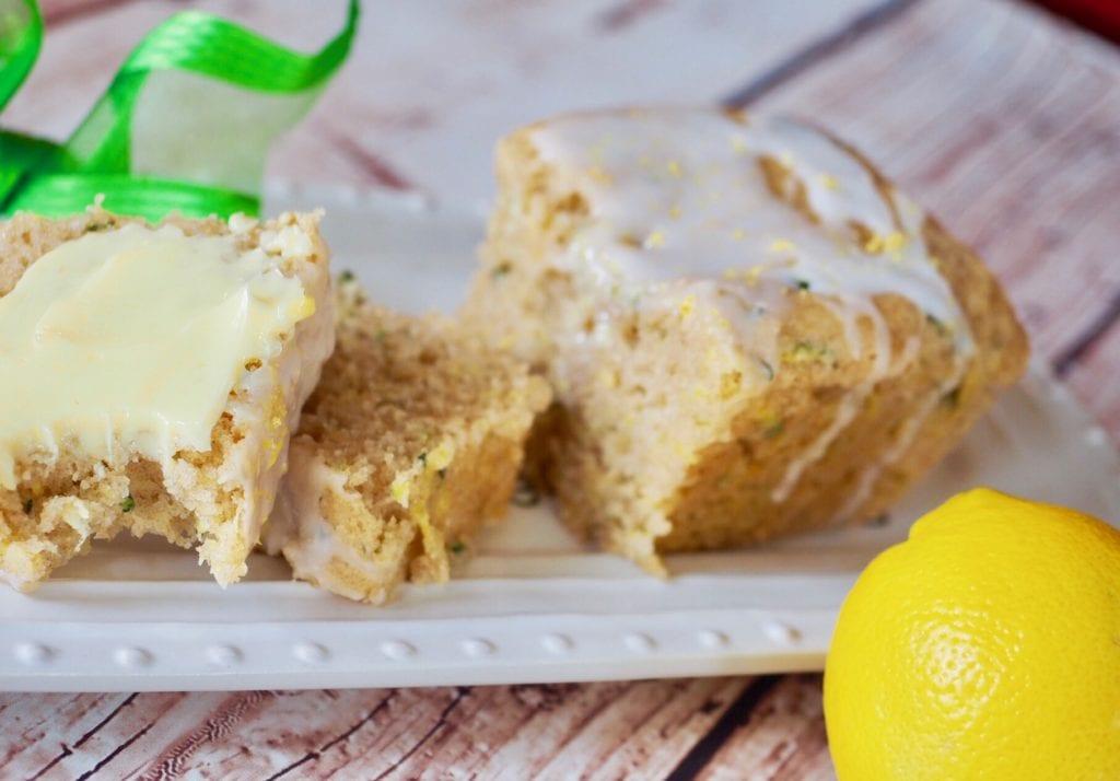 Lemon Zucchini Bread slices | www.thefreshcooky.com