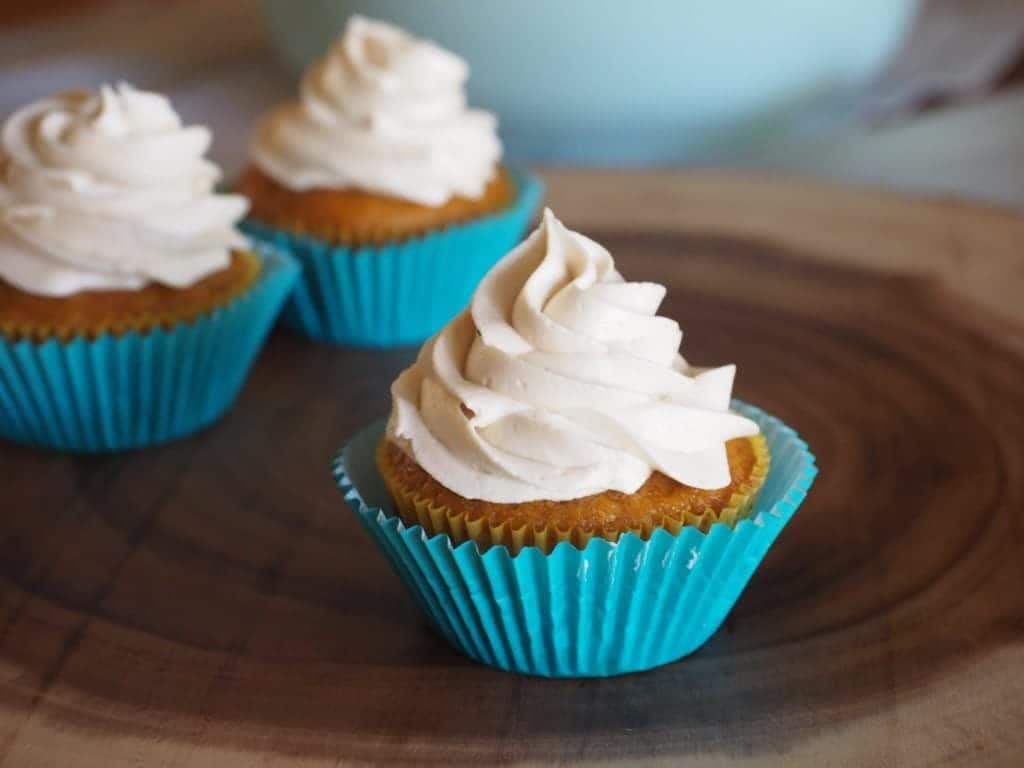 Carrot Cupcakes with Brown Sugar Cream Cheese Buttercream | www.thefreshcooky.com