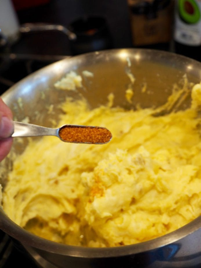 Creamy Garlic Mashed Potatoes | www.thefreshcooky.com