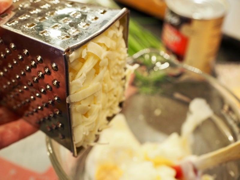 Artichoke Cheese Wontons | www.thefreshcooky.com