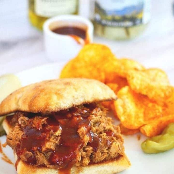 Easy Pulled Pork (Slow Cooker)