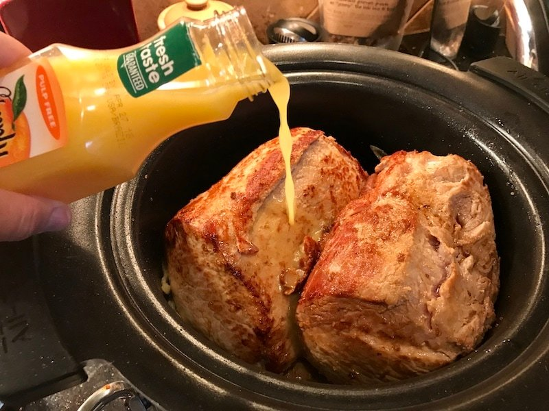 Pulled Pork Slow Cooker | www.thefreshcooky.com #pulledpork #bbqpulledpork #bbqpork #slowcooker #skifood #bonesuckinsauce #simplyorange
