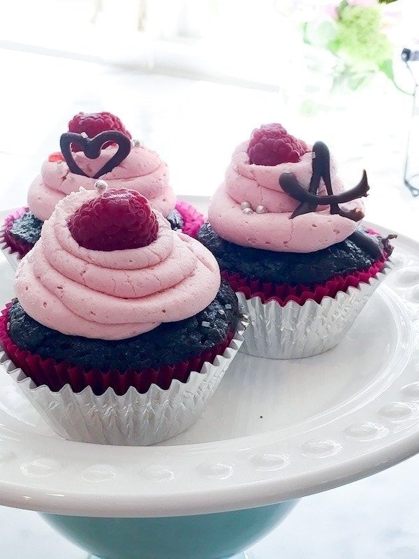 Rich Chocolate Ganache Cupcakes with Raspberry Buttercream | www.thefreshcooky.com #ganache #chocolate #cupcakes #raspberry #buttercream
