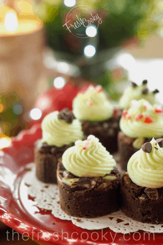 Holiday Mint Brownie Bites | www.thefreshcooky.com