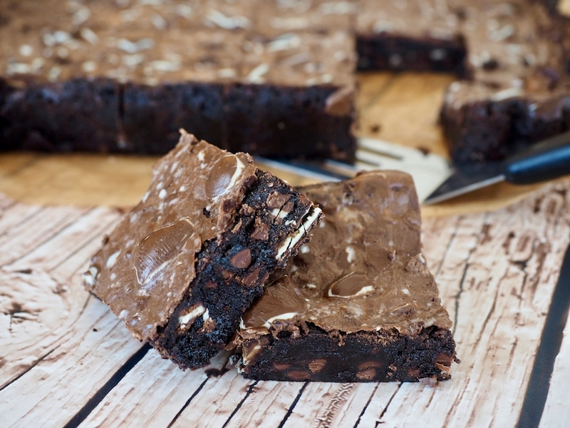 Andes Mint Brownies | www.thefreshcooky.com #andesmints #brownies #mintbrownies