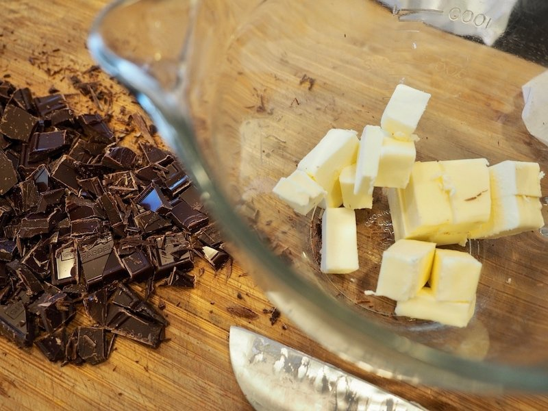 Chocolate Lava Cakes | www.thefreshcooky.com #thefreshcooky #chocolate #lavacake