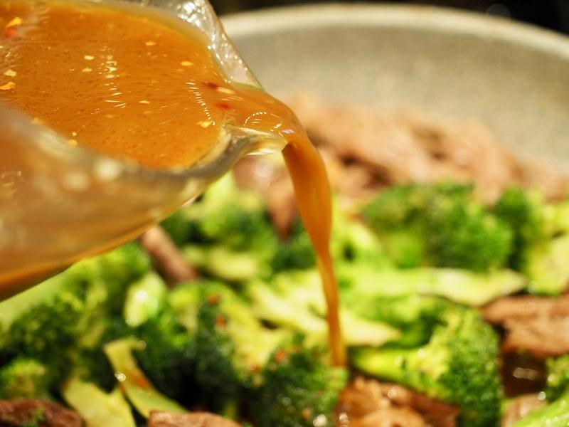 Beef & Broccoli 30 minute Meal   www.thefreshcooky.com #beef&broccoli #30minutemeal #weeknightmeals #whatsfordinner