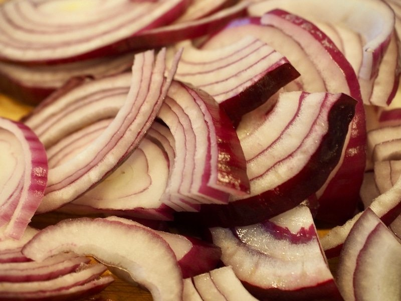 Pickled Red Onions | www.thefreshcooky.com #pickling #redonions #pickledredonions