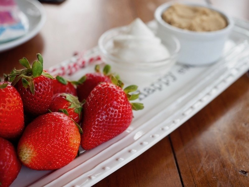 Strawberries, sour cream and brown sugar for Spring Luncheon Menu | www.thefreshcooky.com