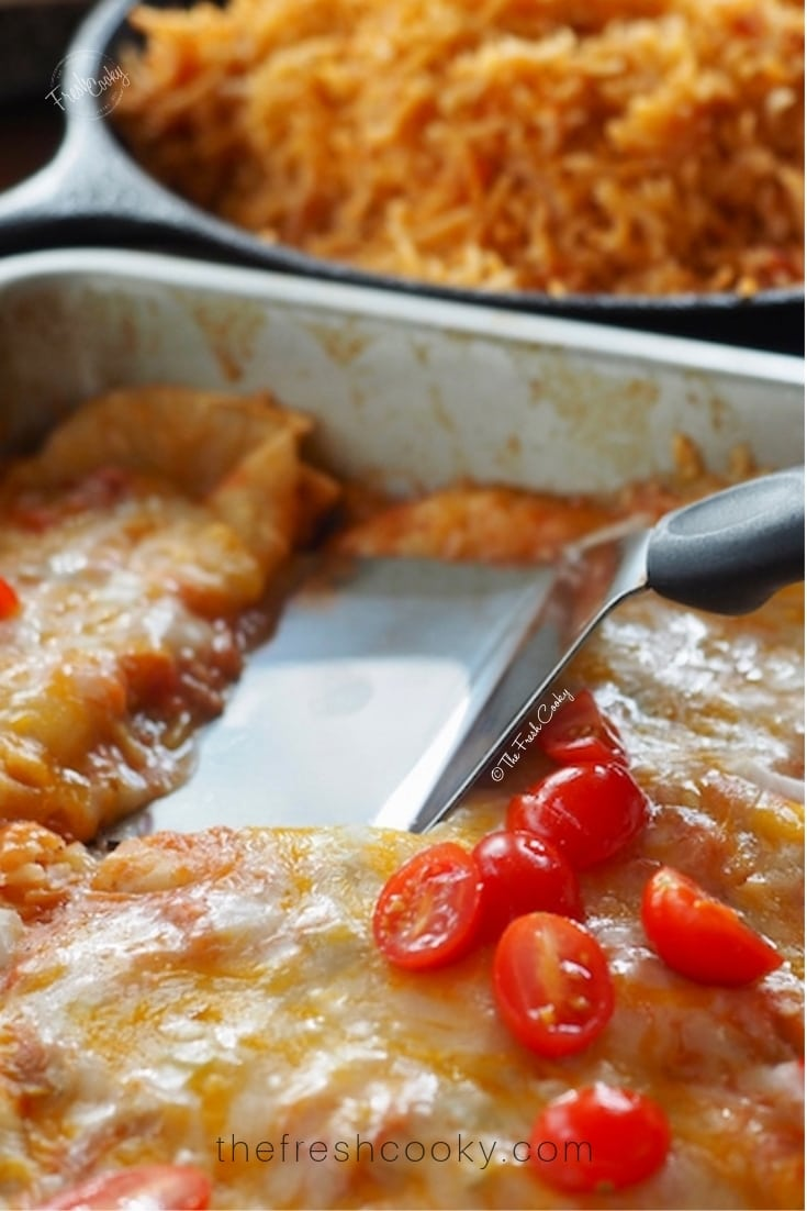 Pan of easy restaurant style cheese enchiladas from @thefreshcooky