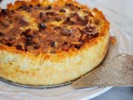 Prosciutto & Gruyere Quiche with Hash Brown Crust | www.thefreshcooky.com #hasbrowncrust #quiche #gruyereandprosciutto