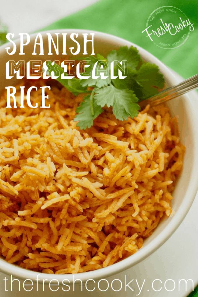 Bowl of spanish Rice | www.thefreshcooky.com