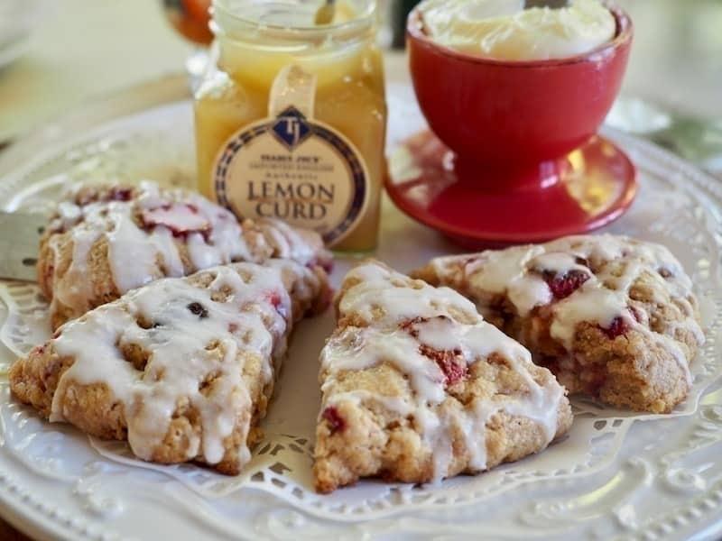 Strawberry Buttermilk Scones   www.thefreshcooky.com #strawberry #scones #lemoncurd #buttermilk