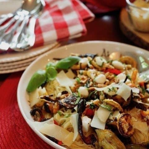 Slow-Roasted Veggie Pasta | www.thefreshcooky.com #roastedveggies #roastedvegetables #vegetarian #whatsfordinner