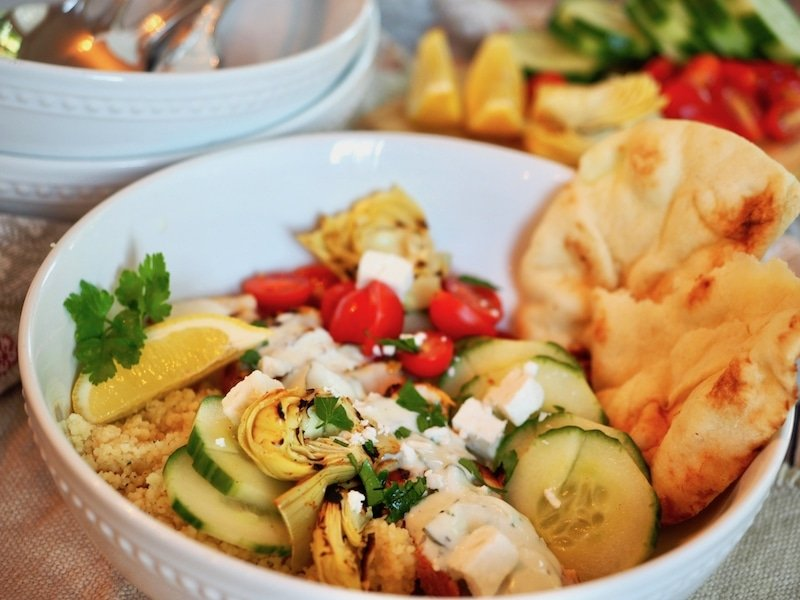 Chicken Shawarma Bowl with Naan | www.thefreshcooky.com