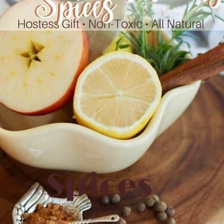 Want your home to smell like fall without toxic air fresheners? This recipe for Fall Simmering Spices is an all-natural, inexpensive and simple way to fill your home with the aroma of fall and Thanksgiving! #thefreshcooky #simmeringspices #fallsmell #aromatherapy #nontoxic #allnatural