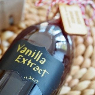 Homemade DIY Vanilla Extract