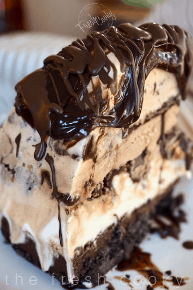 Mile High Mud Pie Ice Cream Cake | www.thefreshcooky.com