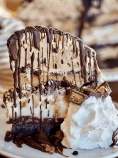Mile High Mud Pie | www.thefreshcooky.com
