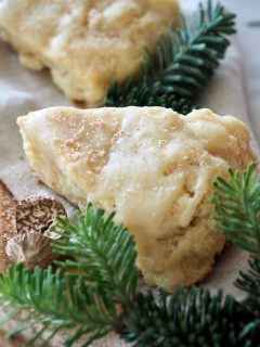 Eggnog Scones with White Chocolate Eggnog Glaze | www.thefreshcooky.com
