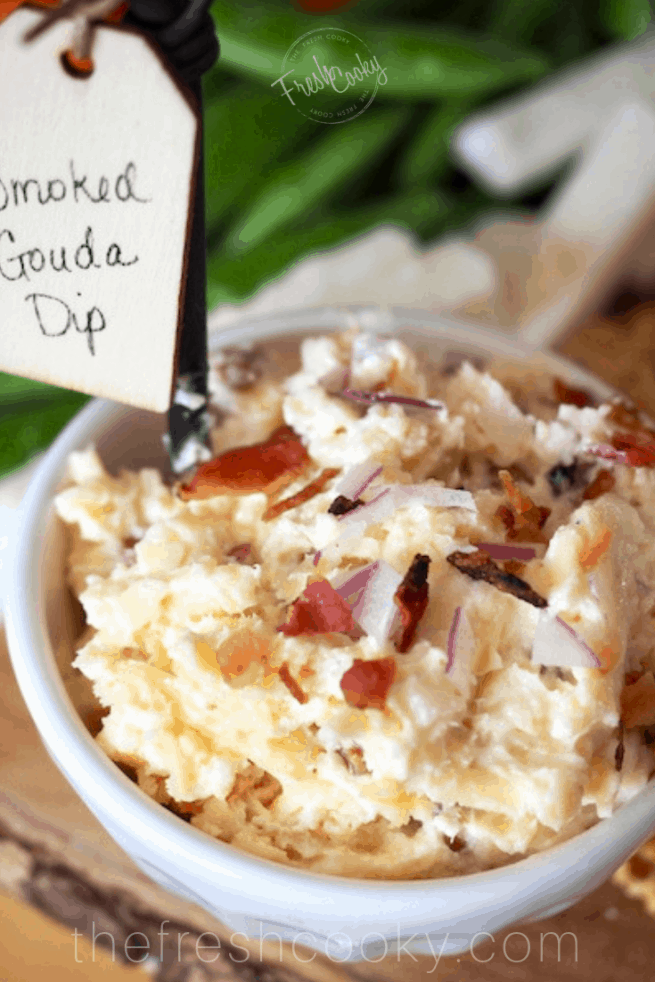 Smoked Gouda Cheese Dip | www.thefreshcooky.com