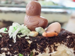 Easter Bunny Dirt Cake | www.thefreshcooky.com