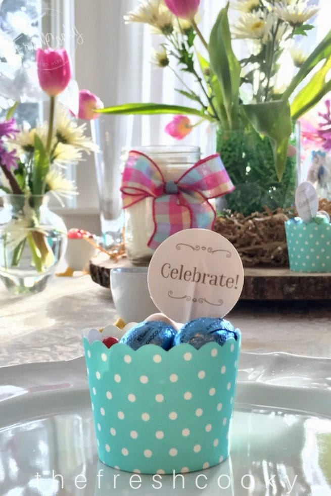 Simple DIY Easter Tablescapes | www.thefreshcooky.com