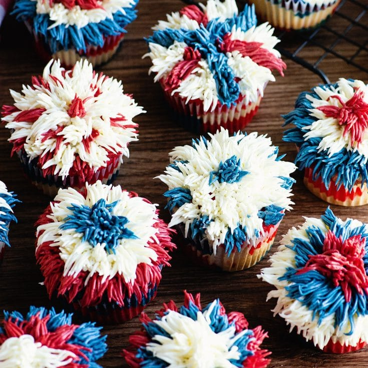 Red, White and Blue fireworks cupcakes