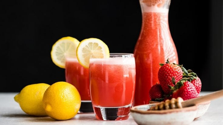 Easy Homemade Strawberry Lemonade Recipe