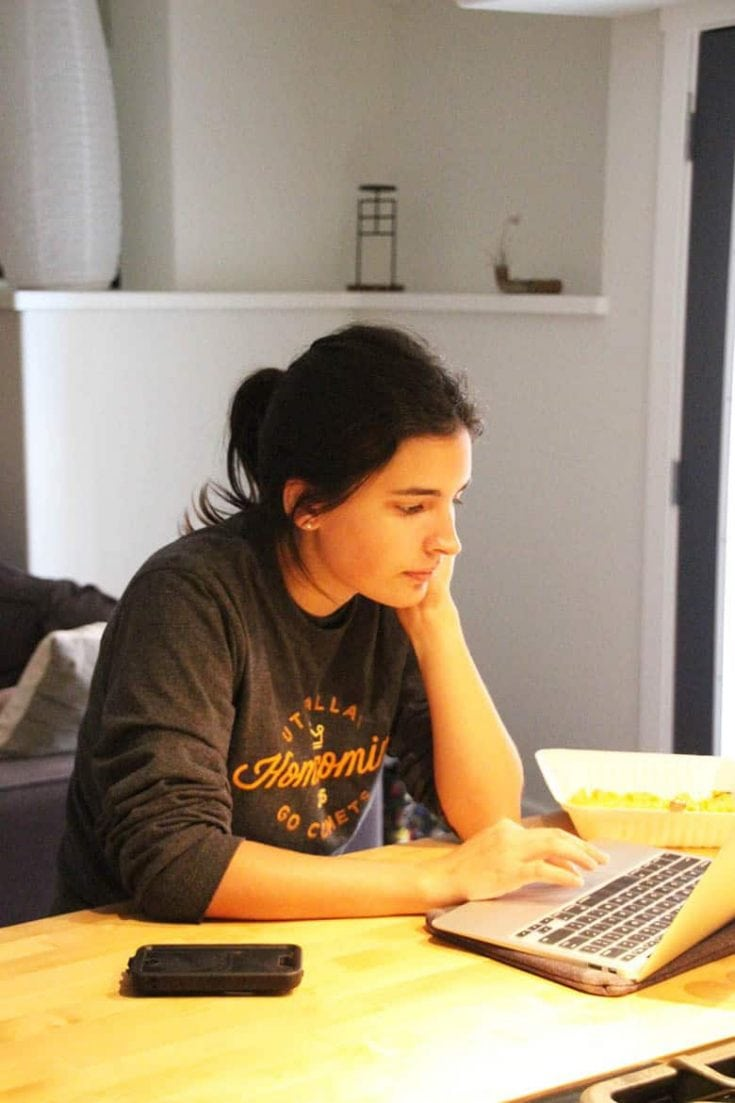 What is college dorm life really like? | Tips from a student Residential Assistant