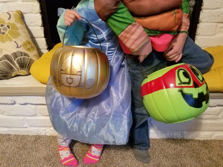 DIY Personalized Halloween Pumpkin Bucket ⋆ Exploring Domesticity