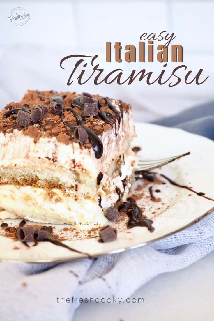 Traditional Tiramisu is an easy Italian dessert recipe with layers of mascarpone custard, whipped cream, layered between rum and espresso soaked ladyfingers. Recipe via @thefreshcooky |  #recipe #nobake #authentic #easyrecipe #cakerecipe #easy via @thefreshcooky