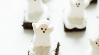 Easy Spooky Ghost Brownies for Halloween | Glitter, Inc.