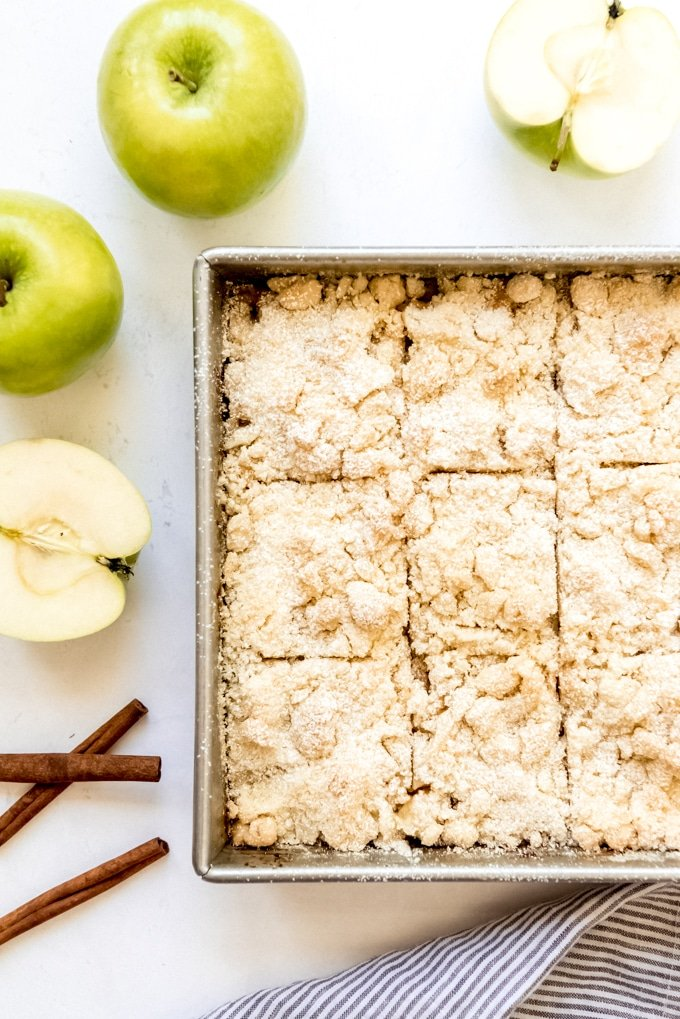 German Apple Cake with Streusel Topping [Apfelkuchen mit Streusel]