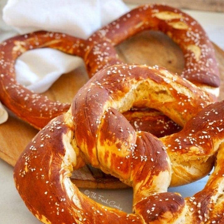 Traditional German Pretzels (Laugenbrezel)