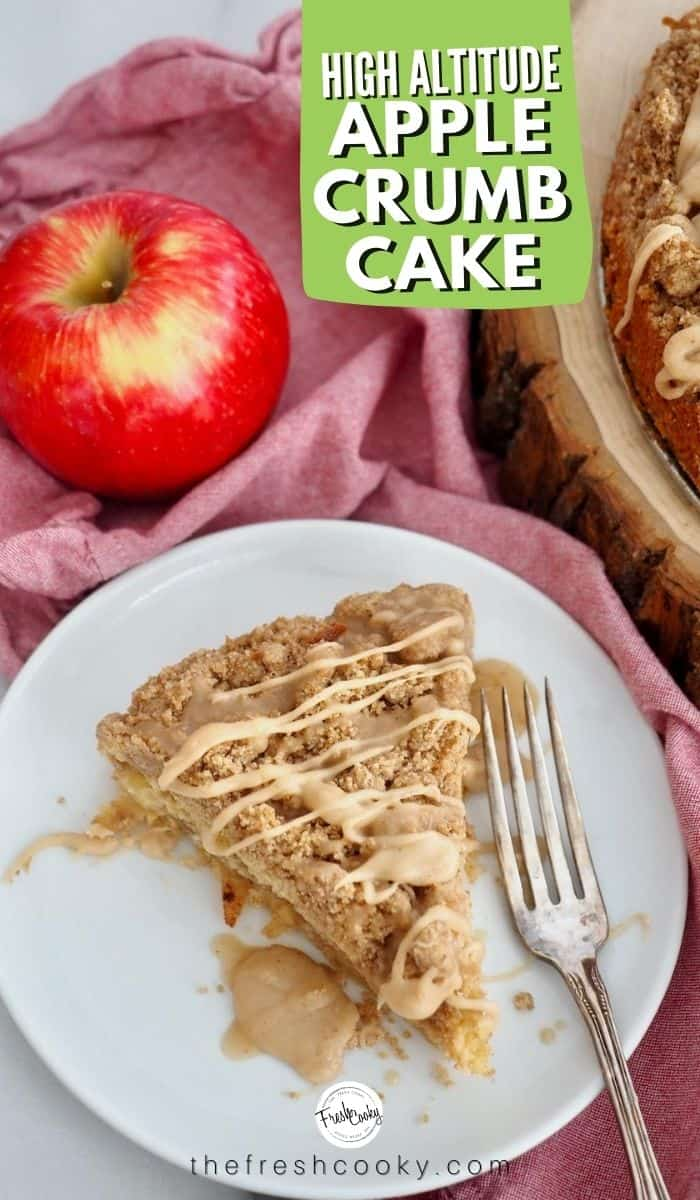 Easy Apple Crumb Cake recipe for fall baking! With buttery cake, layer of apples and two layers of delicious brown sugar streusel crumb topping! Double the crumb! Grab the recipe via @thefreshcooky | #cinnamon #nutmeg #best #breakfast #fallbaking via @thefreshcooky