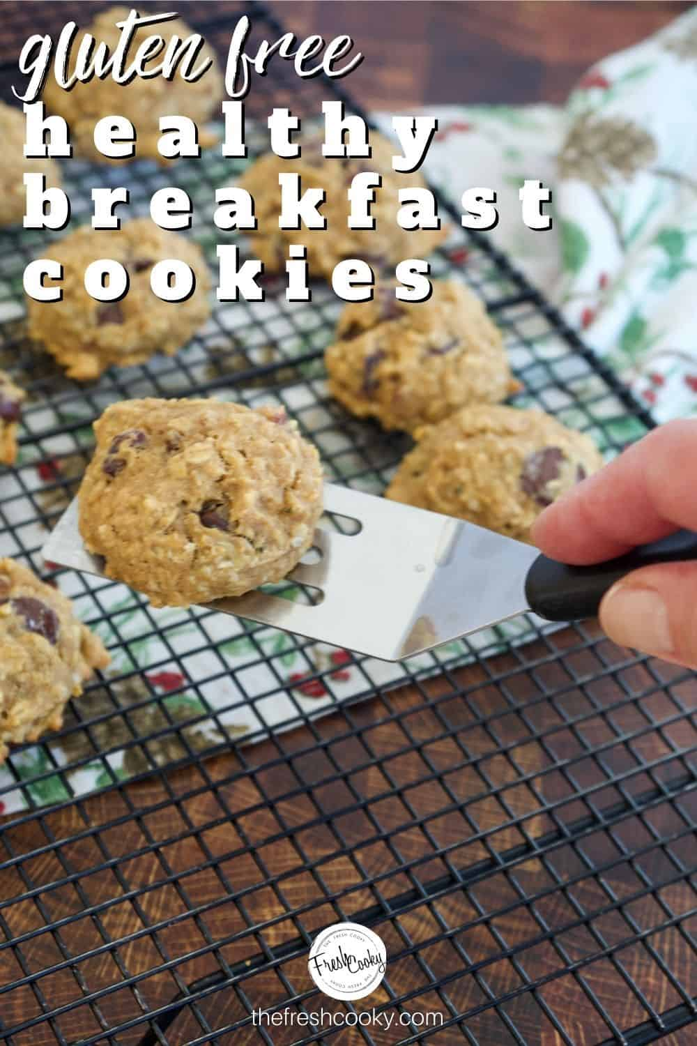 1 bowl healthy gluten free breakfast cookies are loaded with bananas, pumpkin, almond butter, refined sugar free, oats and more! These breakfast cookies will become a favorite! Vegan and High altitude options included. #breakfastcookierecipes #healthyglutenfreecookies via @thefreshcooky