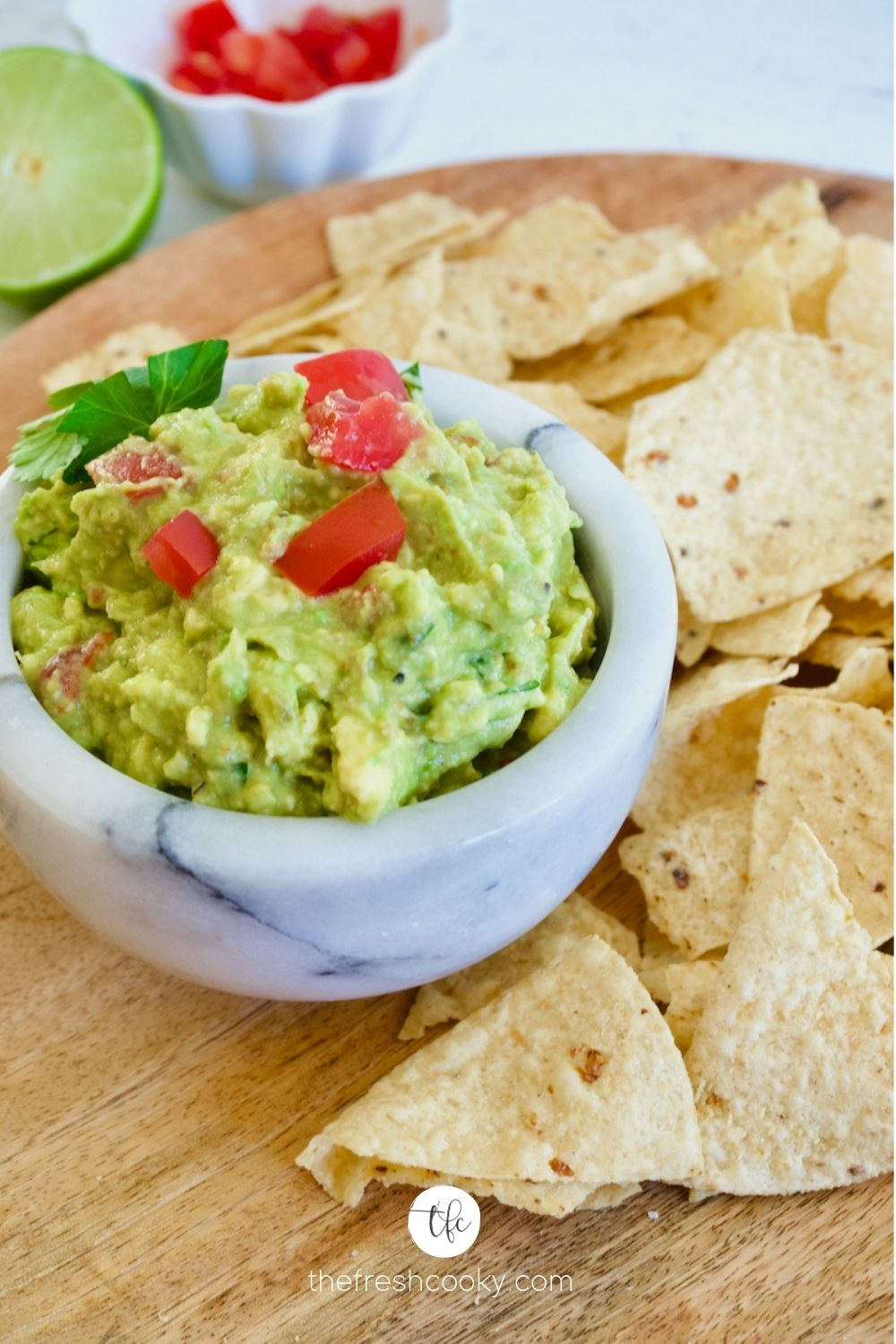 Super Simple Guacamole by The Fresh Cooky - WEEKEND POTLUCK 477