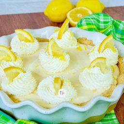 Easy Lemon Cream Pie {No Bake}